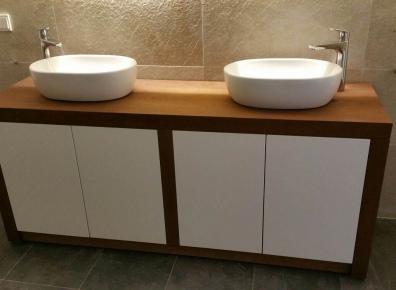Bathroom furniture Iroko high gloss white